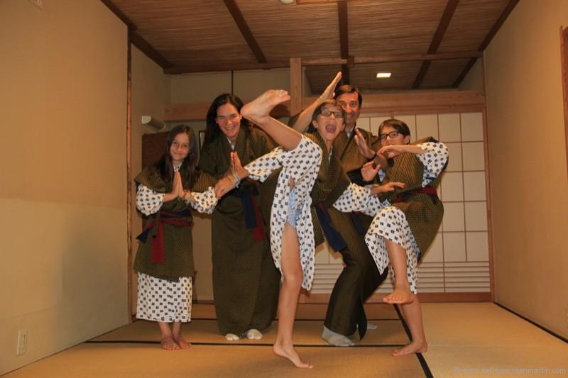 Baños Termales Japon:Volvimos a la habitación donde nos esperaban los chicos Después de